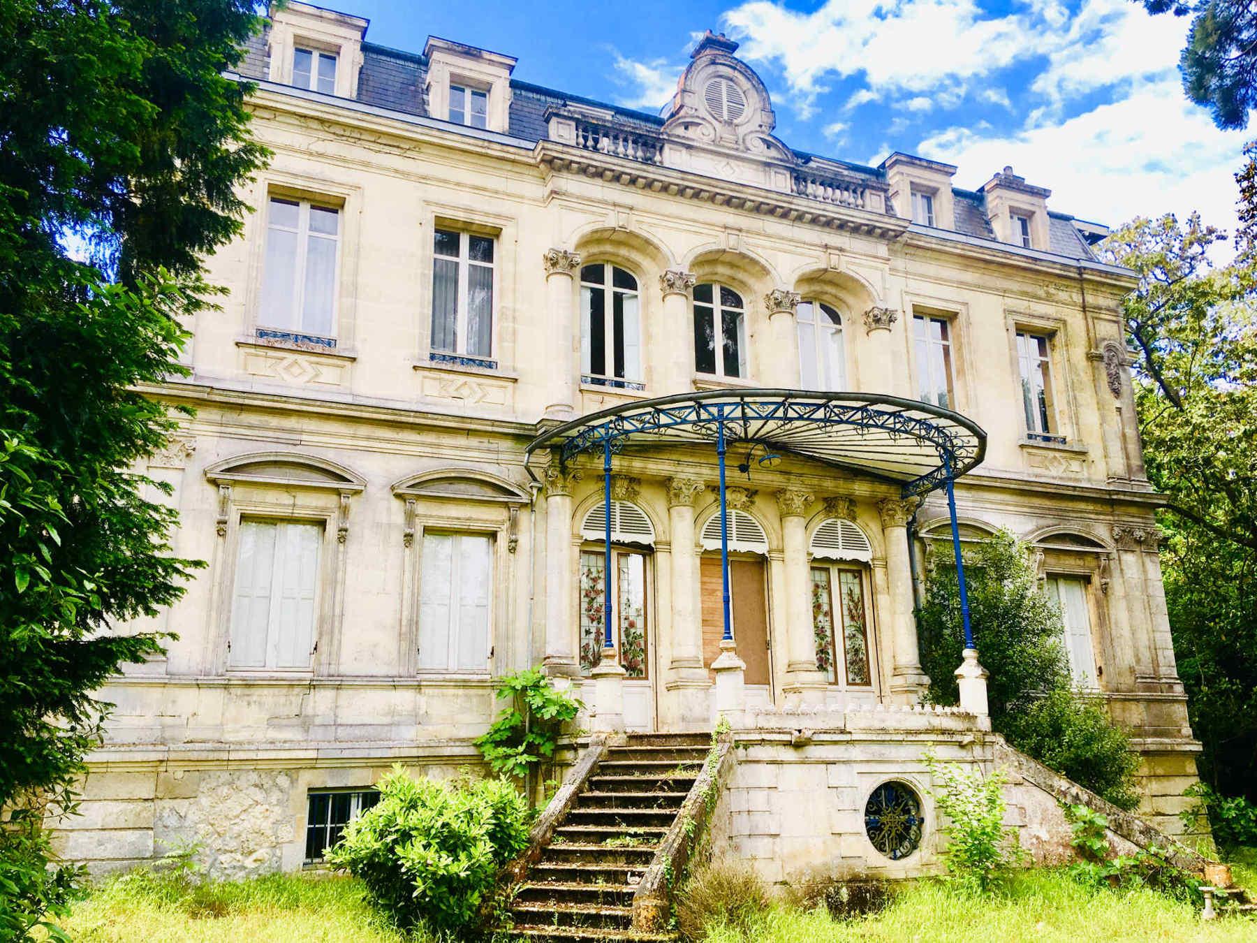 Chateau-bordeaux