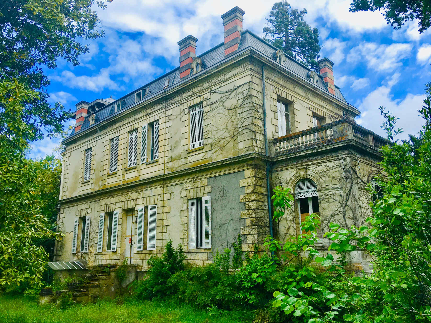 Chateau-region-bordeaux